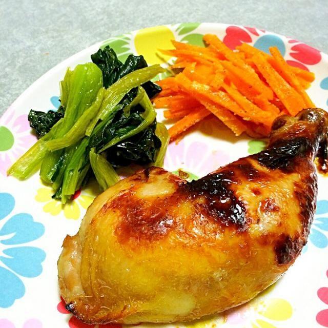 にんじんのナムルはきのう何食べた?4のレシピ。 - 8件のもぐもぐ - ローストチキン、にんじんのナムル、ほうれん草のソテー by rakky7