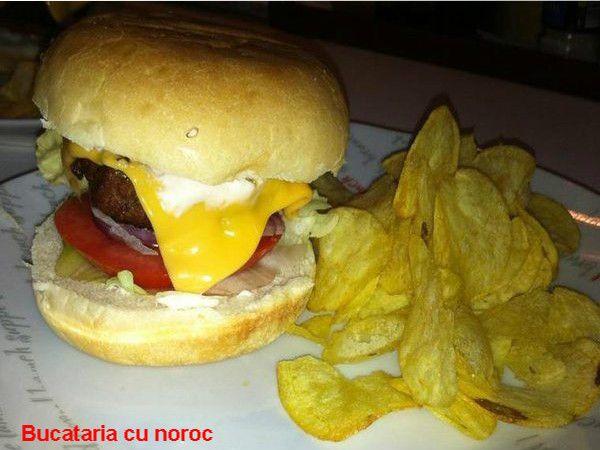 Hamburgeri de casa - Bucataria cu noroc