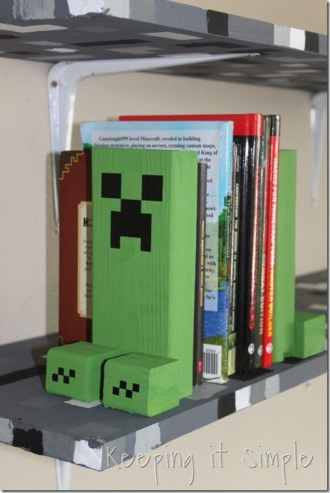 Easy-DIY-Minecraft-Creeper-Book-Ends (11)