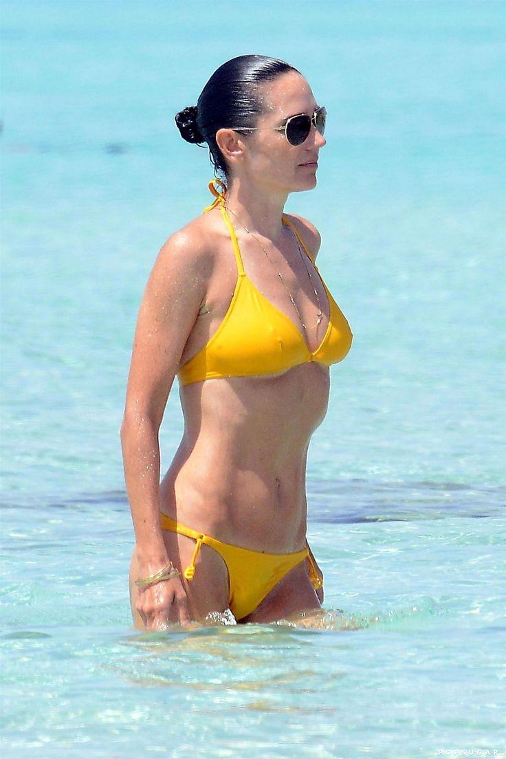 pics-jennifer-connelly-bikini-photos