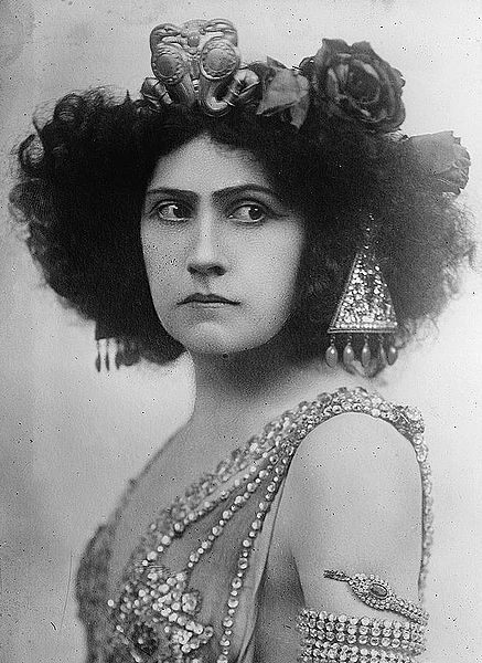 Finnish soprano Aino Ackté (1876-1944) as Salome