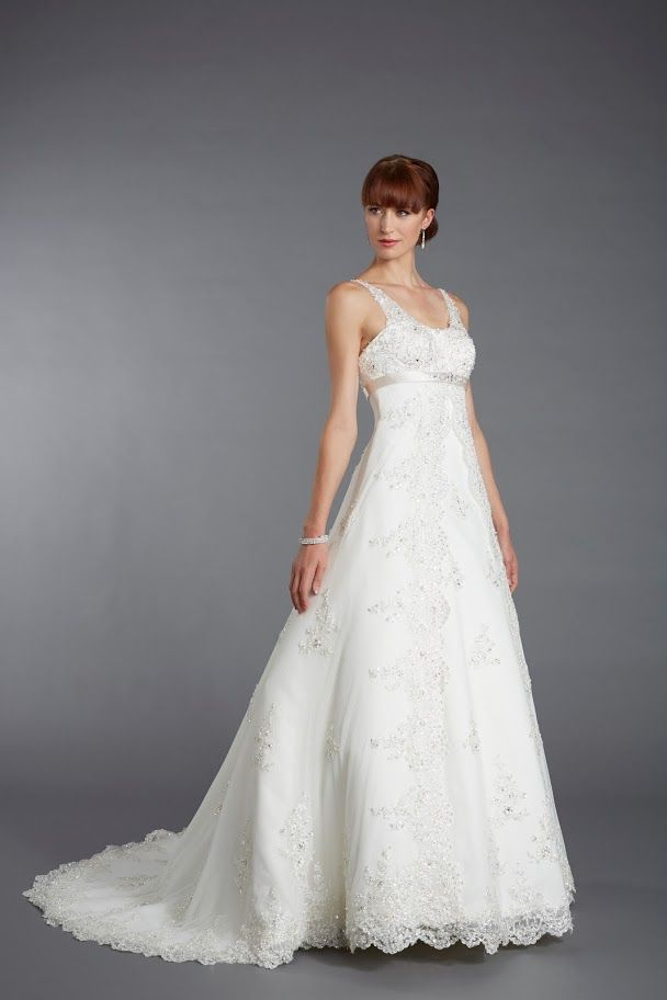 Tiffanys Alexandra - Lace gown - Sugar and Spice UK - Lincoln