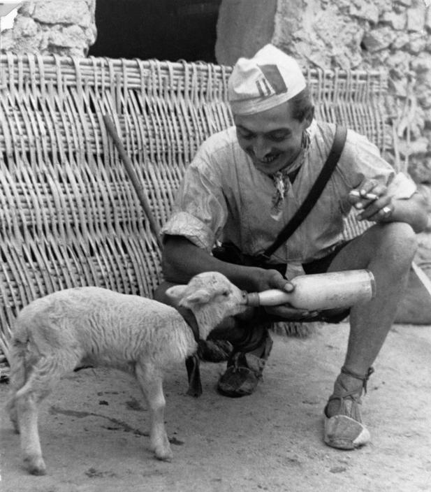 Robert Capa ESPAÑA. Frente de Aragón. Agosto 1936. Fotografía de Gerda TARO.