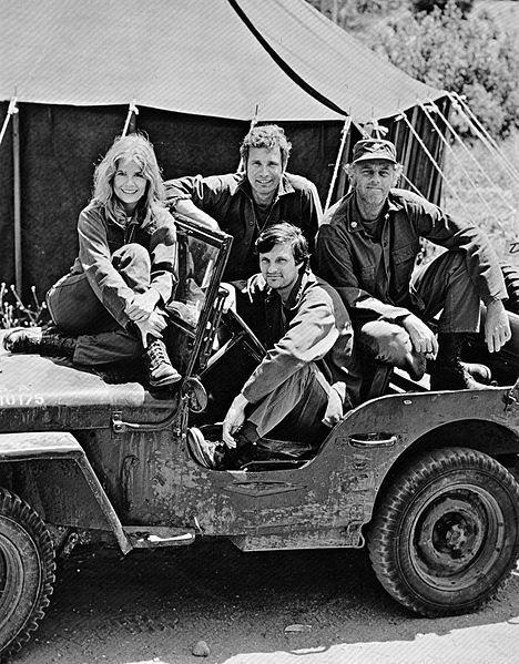 File:MASH cast 1972.JPG
