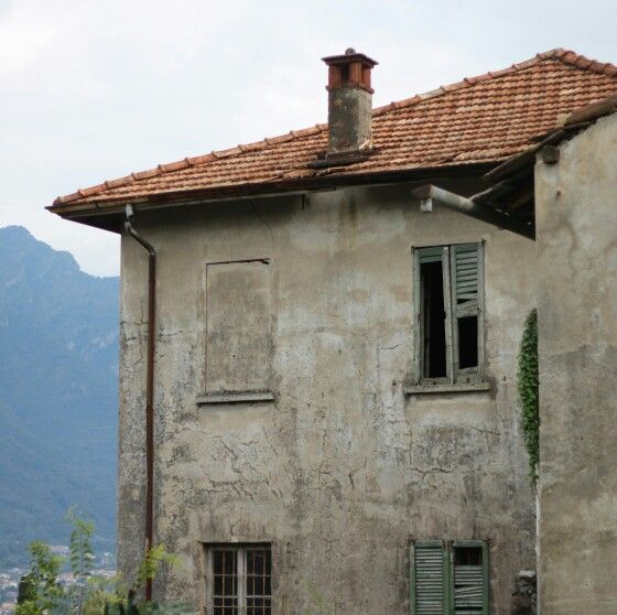 Falling down villa....