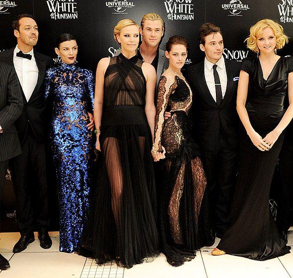 Kristen Stewart love her dress