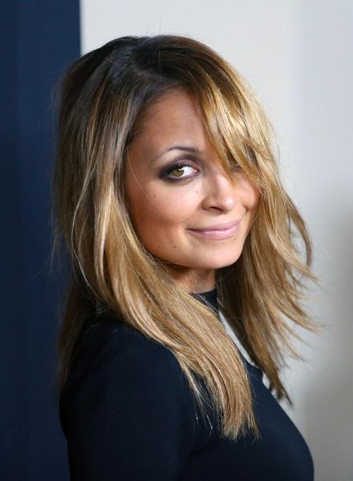 smokey eye: Hair Colors, Nicole Ritchie Hair, Nicole Richie Eye Makeup, Hair Style, Wigs, Smokey Eye, Fall Hair, Hair Perfect, Eyes