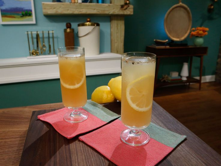 Vanilla-Scented Pear and Bourbon Spritz recipe from Geoffrey Zakarian via Food Network