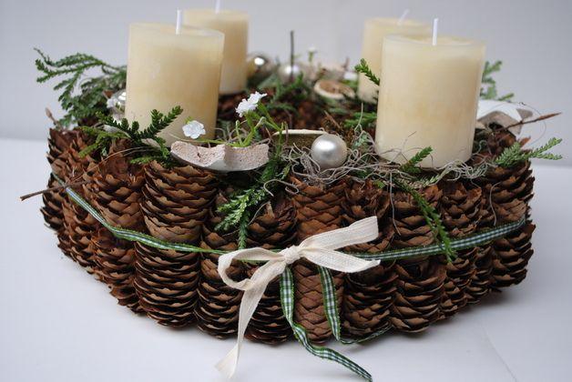 Adventskranz - Adventskranz / Weihnachtskranz aus Zapfen - ein Designerstück von Inna-Dueck bei DaWanda