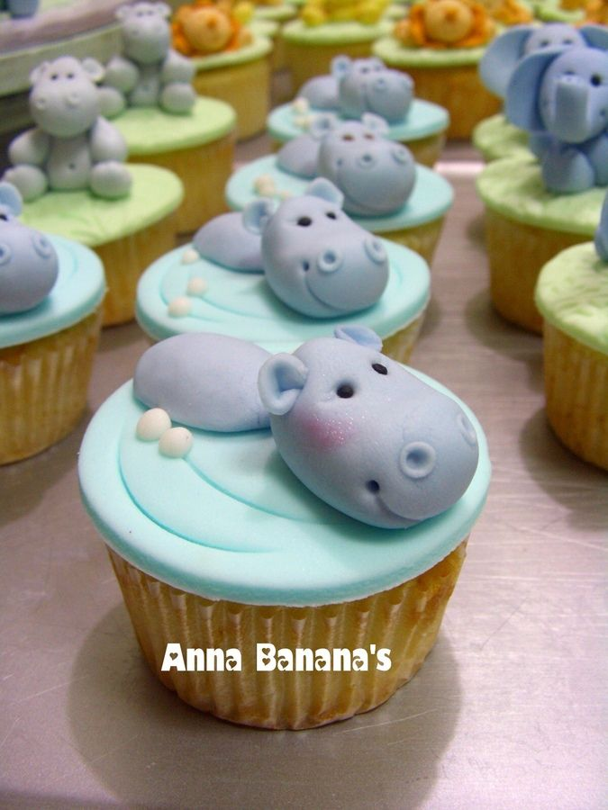 Baby Safari cupcakes. How cute are these hippos