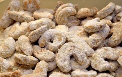 Vanillekipferl con il Bimby - Oggi vi presento la ricetta per preparare i biscotti tedeschi famosi col nome di vanillekipferl.