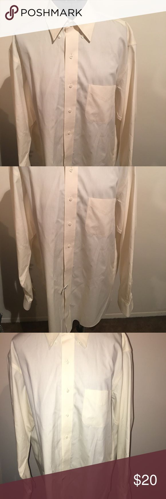Men's Brooks Brothers 346 non iron shirt 16 1/2 35 Hey guys, in this listing you are purchasing a men's cream Colored Brooks Brothers 346 non iron button front long sleeve shirt. The shirt neckline is 16 1/2 -35. This shirt has been freshly dry cleaned for that crispy fresh look. It can be yours today! 😎 Brooks Brothers 346 Shirts Casual Button Down Shirts
