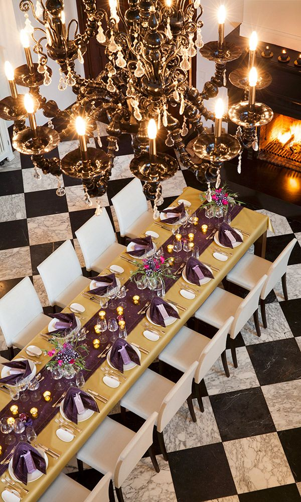 Farah - sober and festive table setting for new year´s eve