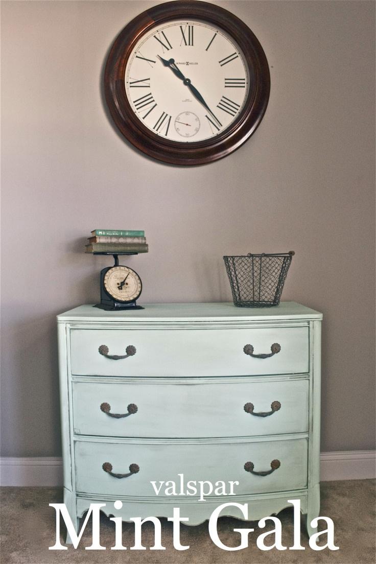 Mint Dresser makeover - the perfect mint paint color!