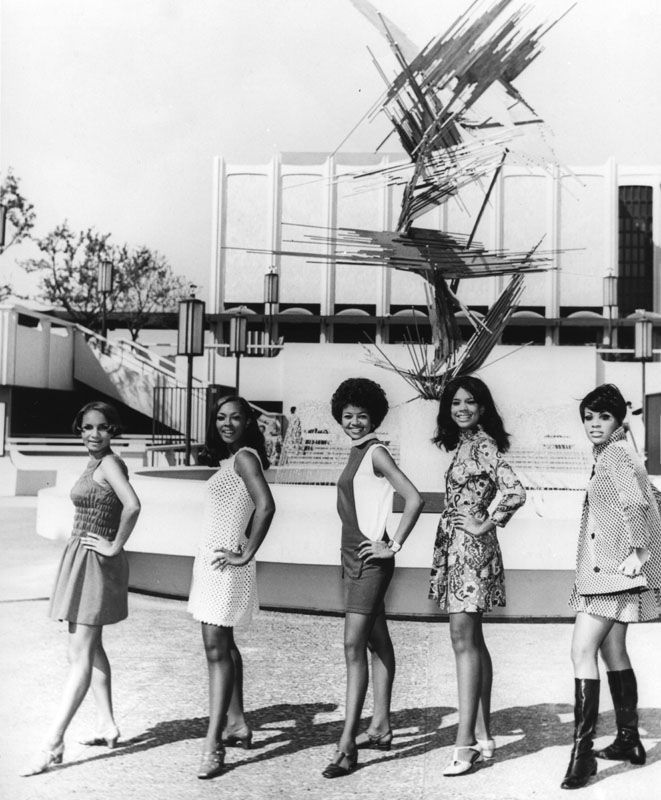 blackherstory:    auntada:    Five womenpose in front of the Los Angeles County Museum of Art for the NAACP Awards, 1968.  Robert Douglas, photographer  Los Angeles Public Library, Shades of L.A.: African American Community      Love.