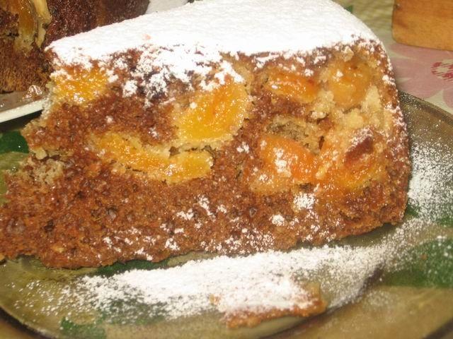 Пирог с курагой и медом в мультиварке