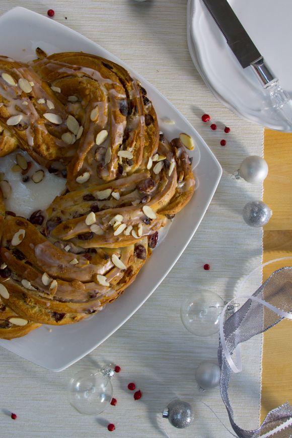 Cranberry Almond Holiday Breakfast Wreath