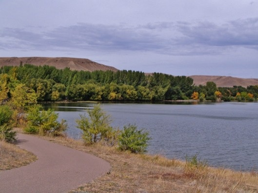 #Camping in the Fall - makes Lake Diefenbaker a #GoHere Destination of choice!