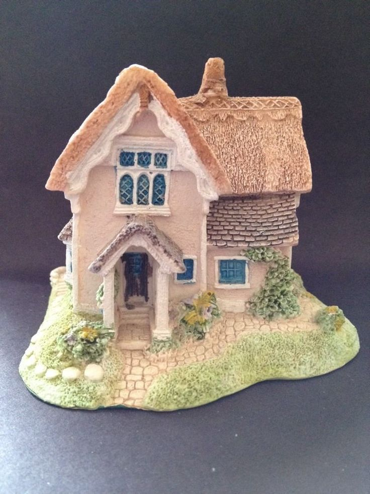 Estate Find - Piggy Bank / Money Box of a Cottage - Excellent Condition