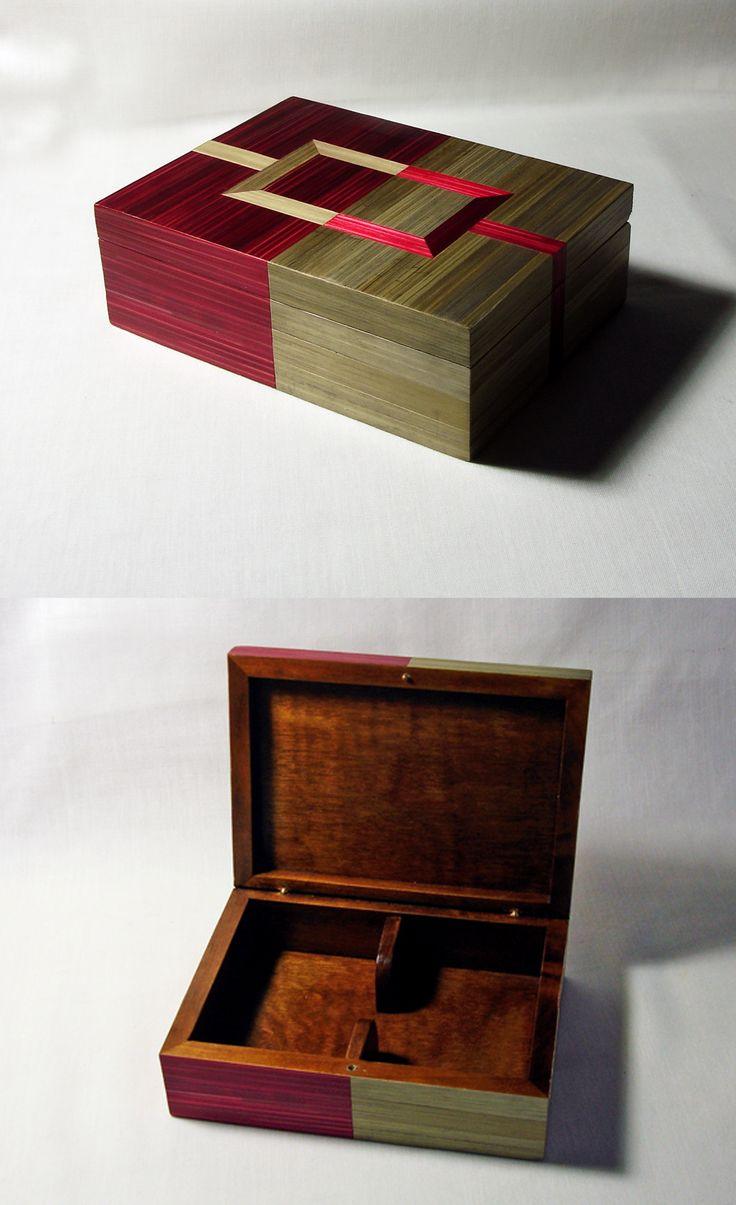 Coffret en marqueterie de paille pour jeux de cartes. http://jylitis-creations.alittlemarket.com/