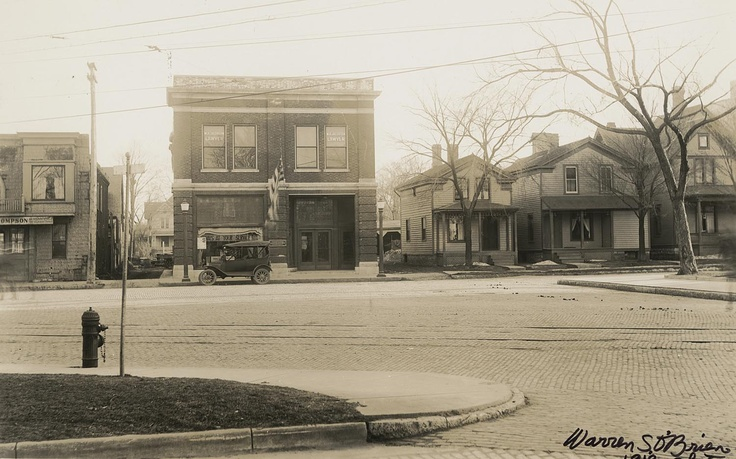 1918. Wisconsin Gas and Electric Company offices in Waukesha on South Street.