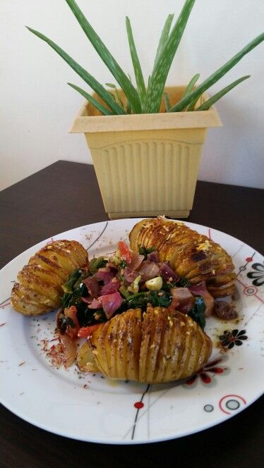 Crispy potatoes with spinach...!!