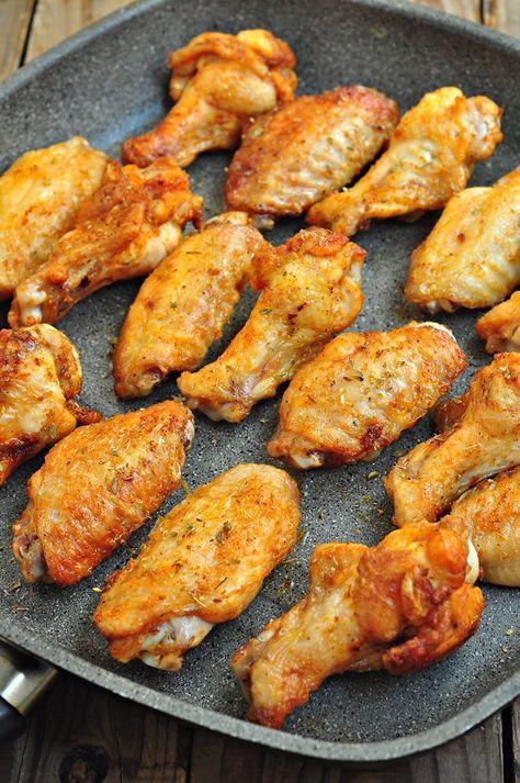 Birkaç sene öncesine kadar çok daha sık yapardım böyle tavada soslu tavuk kanadı ,but kızartmasını ,incik veya fırında tavukama o zaman organik olmayanının zararlarından çok da haberdar değildim...