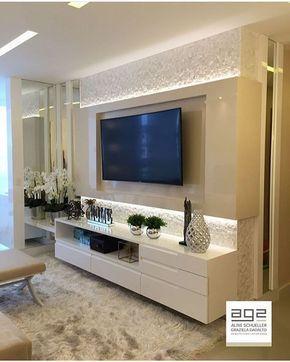 """510 curtidas, 6 comentários - Arq4home (@arq4home) no Instagram: """"Painel de TV em laca brilho com detalhes em espelho. Pequeno e bonito. Por G2 arquitetura"""""""