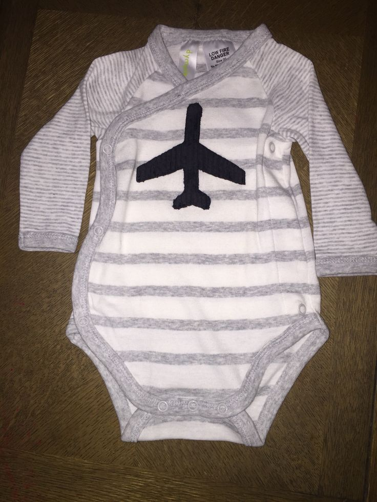 Airplane appliqué - baby clothes for air traffic controllers baby