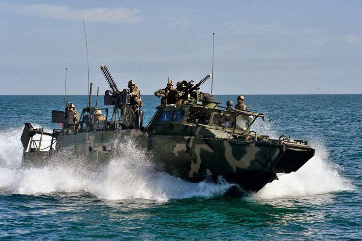 Resultado de imagen para cb90h combat boat