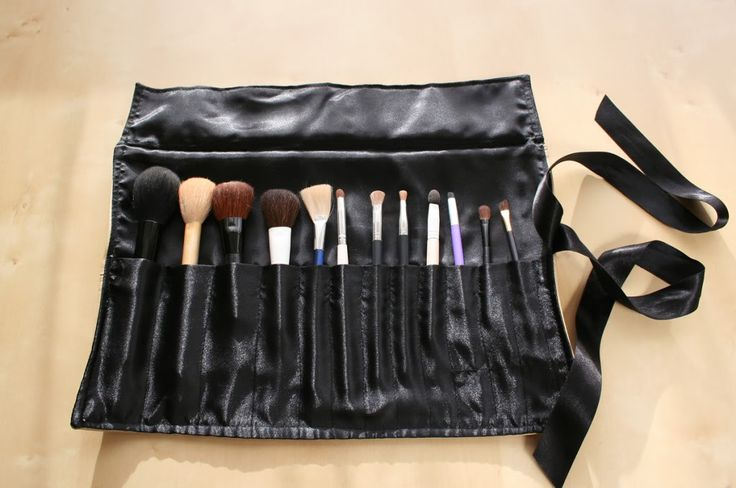 Wag Doll: Faux Leather Make-up Brush Roll Tutorial
