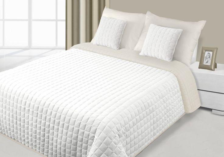 Krémově béžové oboustranné přehozy na postel