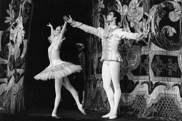Paul Chalmer answers the Gramilano Questionnaire… Dancers' Edition - Paul Chalmer with Eva Evdokimova in Sleeping Beauty - Teatro Colòn