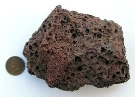 Volcanic rock/scoria filled earthbags for cold climates for insulation, but what about thermal mass?