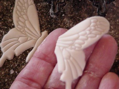 ~ Sugar Teachers ~ Cake Decorating and Sugar Art Tutorials: How to Make a Sugarpaste Butterfly
