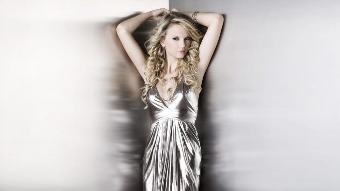 Taylor Swift Bright Silver Dress - HD Wallpapers - Free Wallpapers - Desktop Backgrounds