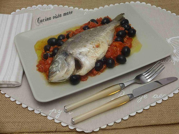 Orata al forno con le olive: un secondo piatto semplice, gustoso, digeribile, una ricetta semplicissima che in poche mosse risolve la cena!