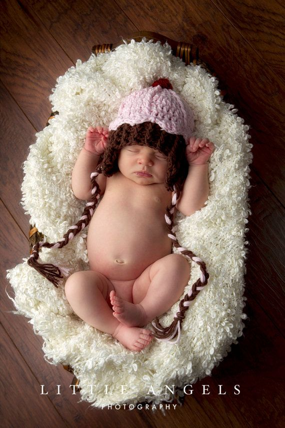 Love this simple pose.: Flap Crochet, Crochet Hats, Ears Flap, Crochet Baby, Baby Crochet, Cupcakes Hats, Baby Girls, Baby Cupcakes, Crochet Patterns