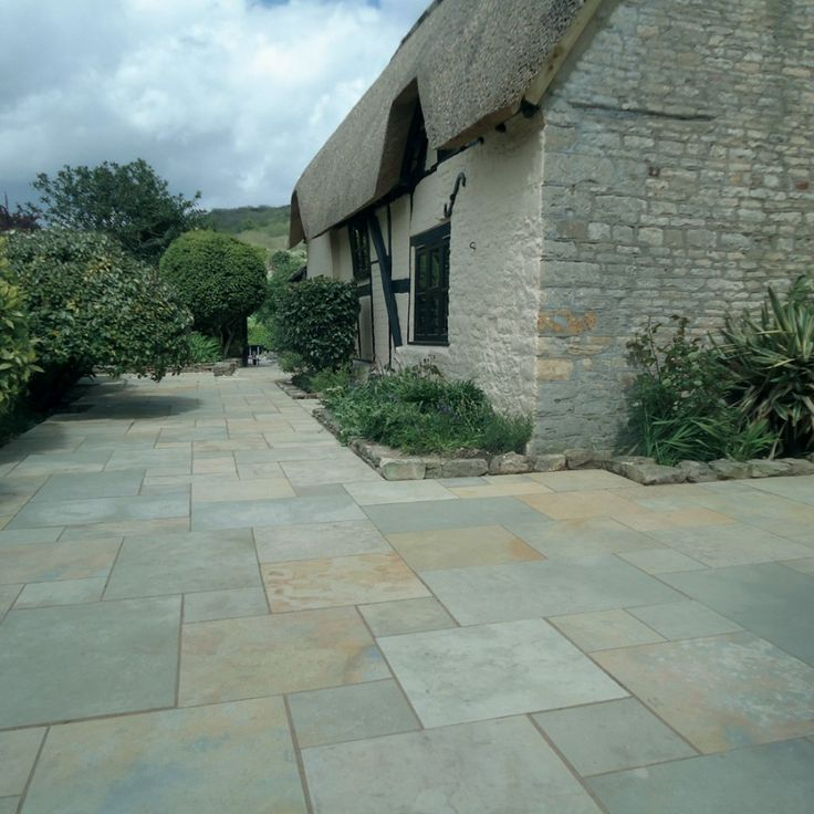 Pavestone Paving-Riven Limestone-Abbey-PAVING SLABS
