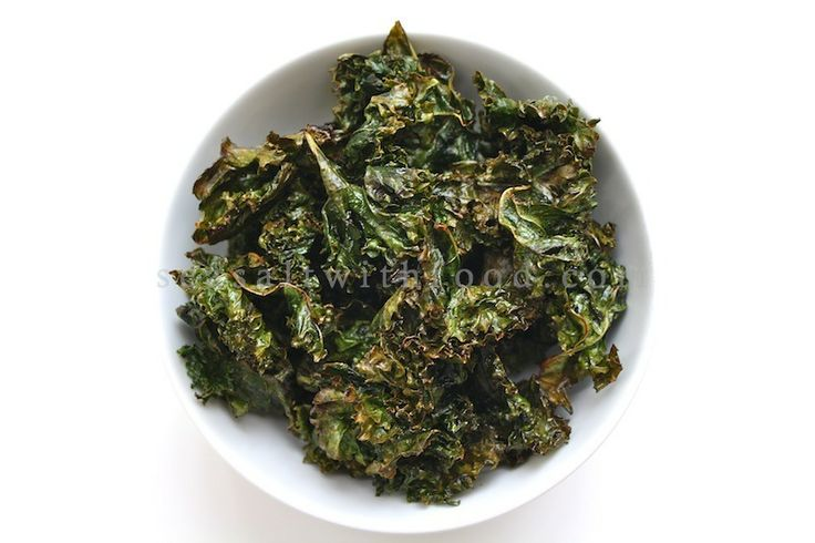 I finally got around to make some Kale Chips. I had bookmarked the recipe from The Food Librarian a couple of months back. It drew my interest as kale chips are super healthy, chocked full of antioxidants, and they taste great too. This is an easy recipe, after washing and drying the kale, simply toss them with some lemon juice, olive oil, and then season lightly with sea salt. Pop the kale in the oven for 15 minutes and there you go, a bowl of lemony kale chips! Enjoy.Kale…
