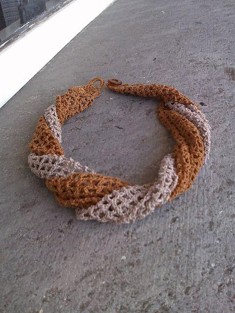 Filet Crochet - free pattern  courtesy of  Lia Govers