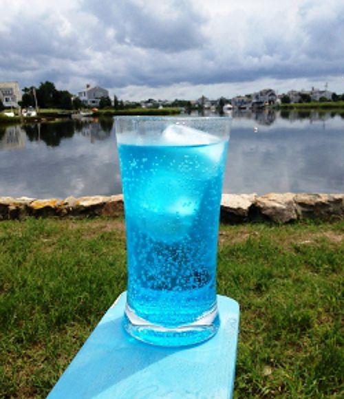 Destin Ocean Water drink recipe - Coconut Vodka, Blue Curacao, Sprite