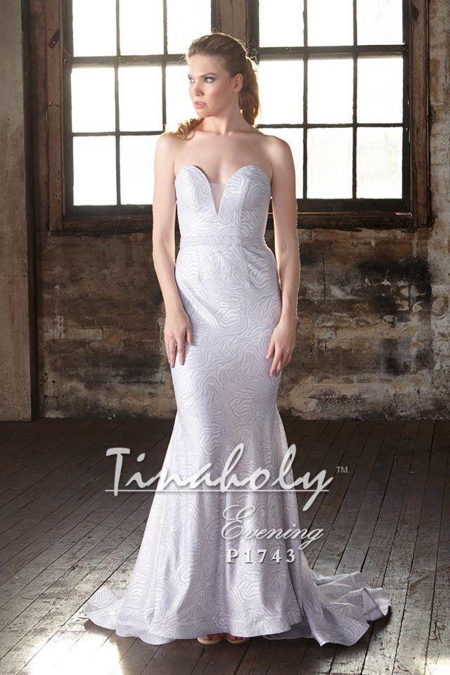 Gorgeous formal dress. #formaldresses #formalgowns #promdress #promdresses