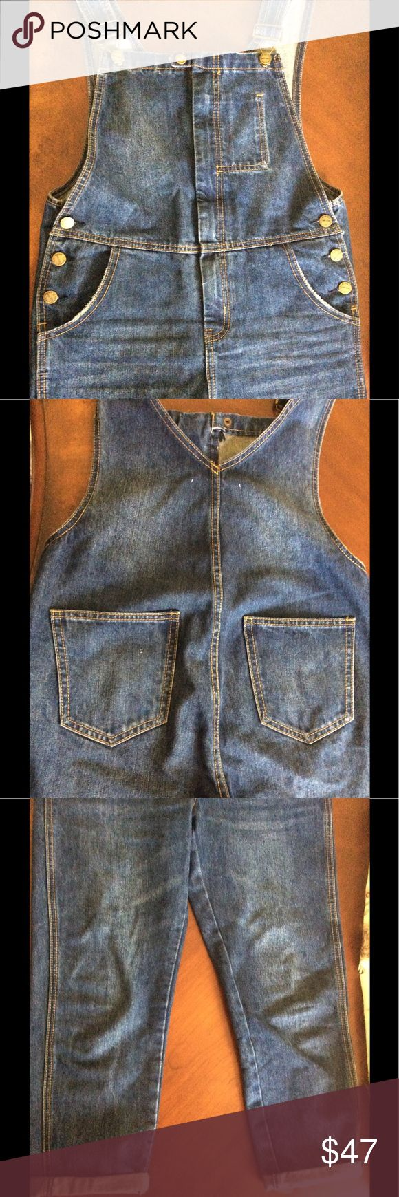 American Apparel Denim Coveralls American Apparel Women's Denim Coveralls.. Size Medium (Pre-loved) NO STAINS, NO TEARS! PRICE IS FIRM.. American Apparel Jeans Overalls