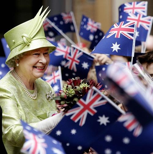 Queen Elizabeth amongst a sea of Aussie Flags