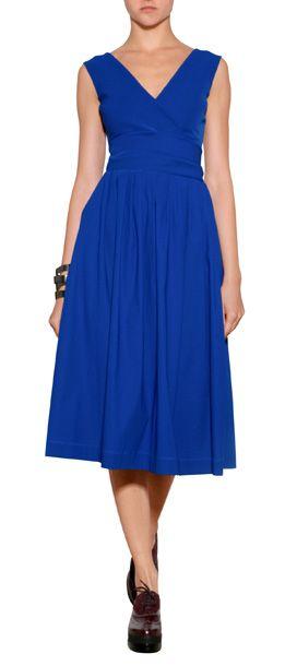 Royalblau wirkt nicht nur elegant sondern ist auch die Trendfarbe der Saison! Somit ist das Kleid mit verführerischem Rücken-Cut-Out von Preen by Thornton Bregazzi ein Style-Volltreffer #Stylebop