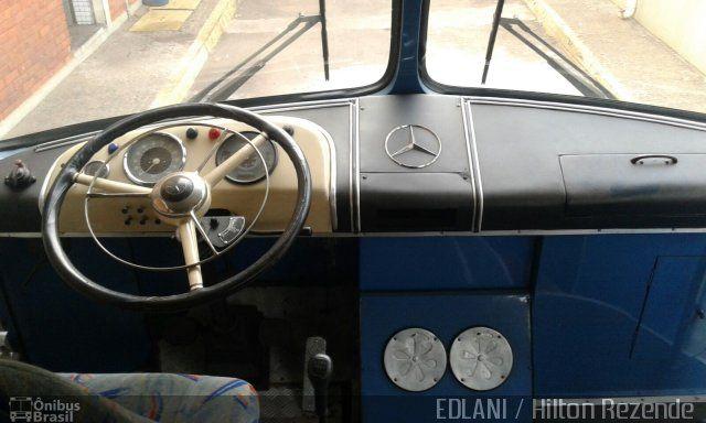 Ônibus da empresa Viação Araguarina, carro 575, carroceria Mercedes-Benz Monobloco O-321, chassi Mercedes-Benz O-321. Foto na cidade de Goiânia-GO por EDLANI / Hilton Rezende , publicada em 21/10/2015 09:30:18.