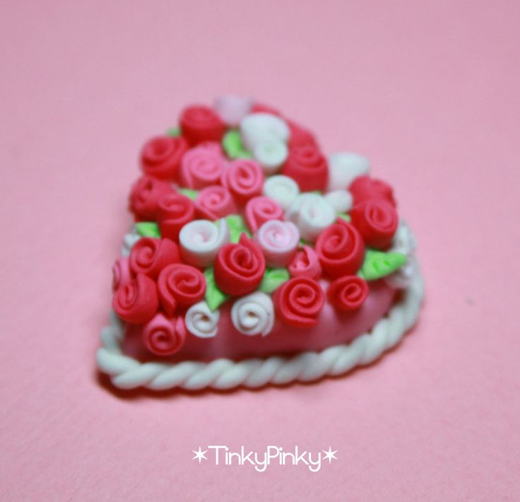 V day miniature cake by tinkypinky.deviantart.com on @DeviantArt