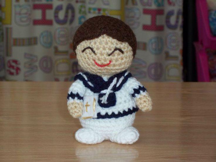 Amigurumi Niño Comunión - Patrón Gratis en Español aquí: http://tambaliche.blogspot.com.es/search/label/patrones - Patrón niña Comunión ( para la cabeza) aquí:  http://tambaliche.blogspot.com.es/2012/05/patron-nina-comunion.html