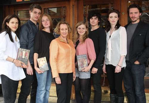 Cast of The White Queen with writer Philipa Gregory  LtoR Amanda Hale-Margaret Beaufort, Max Irons -King Edward, Rebecca Ferguson -Elizabeth Woodville, author Philippa Gregory, Faye Marsay -Anne Neville, Aneurin Barnard - Richard iii Duke of Gloucester, Eleanor Tomlinson -Isabel Neville, David Oakes -George Duke of Clarence
